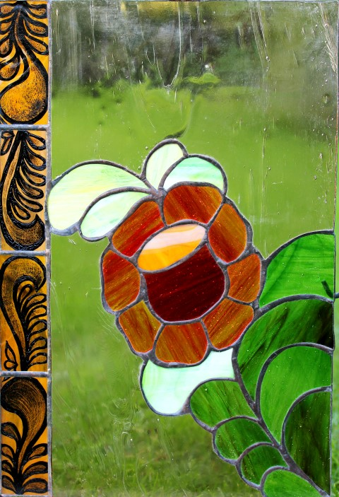 Piros-virag-tiffany-ablak-Small