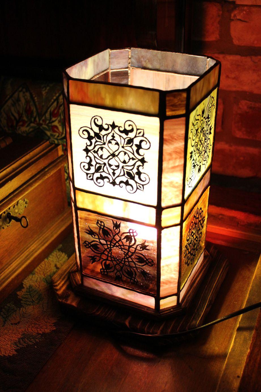 Festett-geometrikus-tiffany-lampa-4