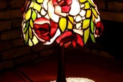 Rozsas-kis-asztali-tiffany-lampa-9