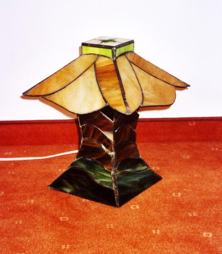 Novenyke-formaju-tiffany-kislampa