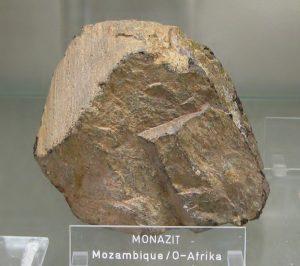 800px-monazit_-_mosambik_o-afrika