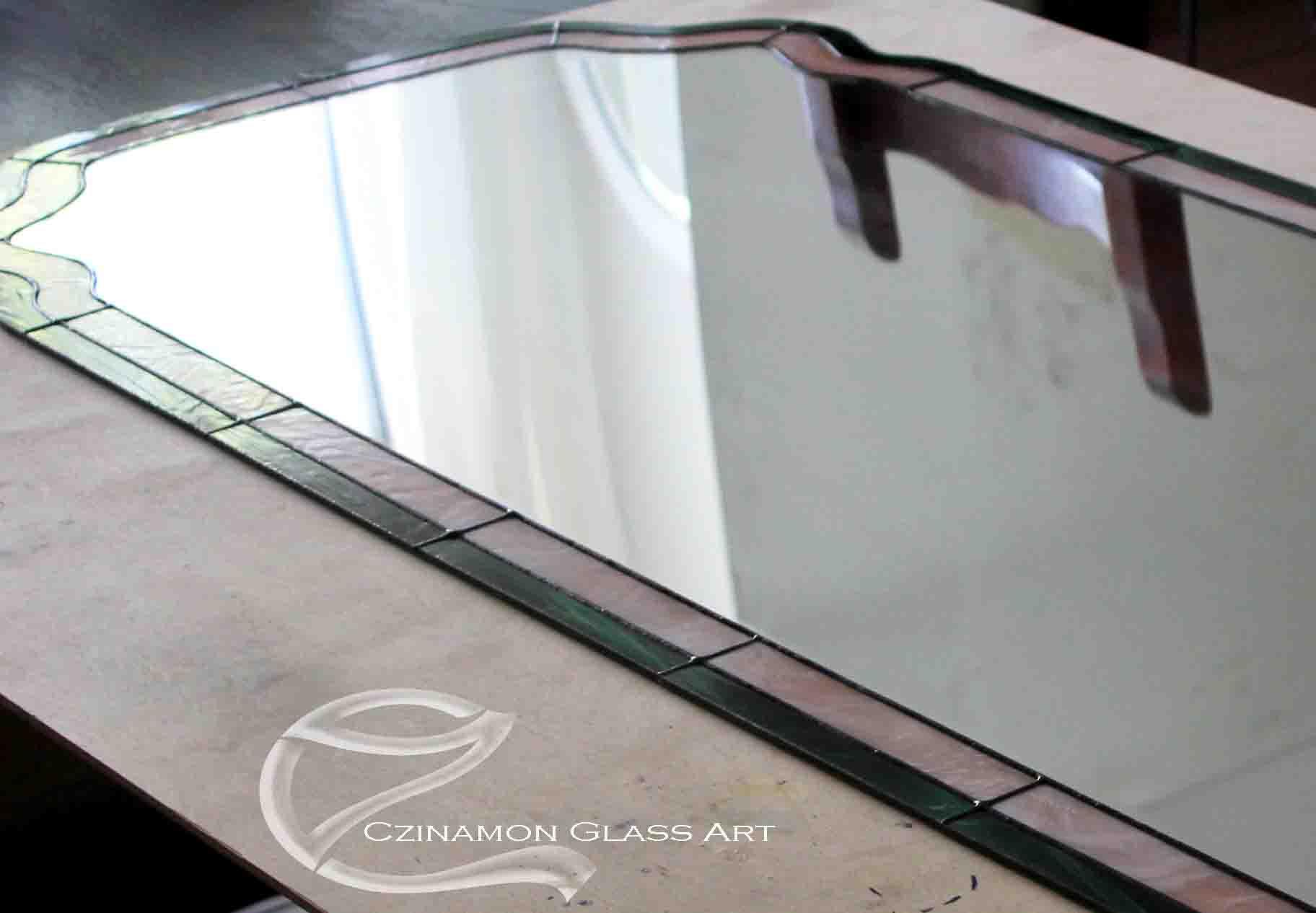 Ennek a tükörnek a sarkát kellett megjavítani